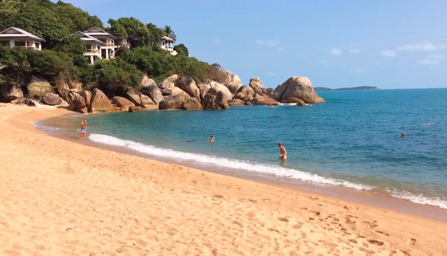 Пляж Корал Ков (Coral Cove Beach)
