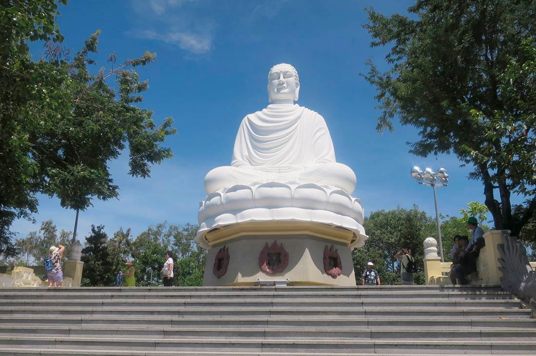 Пагода-Лонг Шон (Long Son Pagoda)