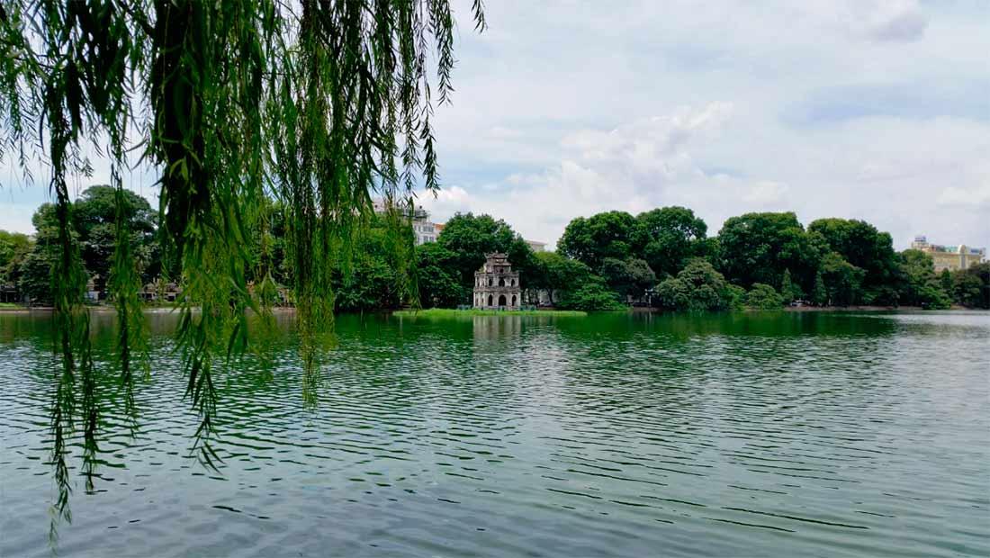 Озеро Возвращенного меча-Ханой