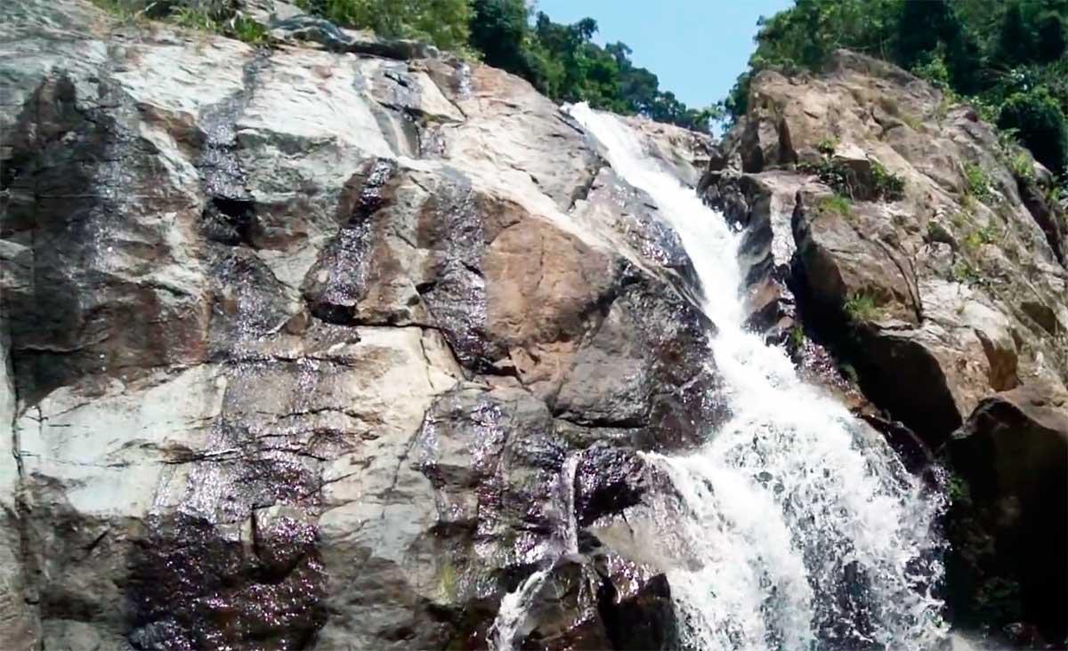 Водопад Хин Лат