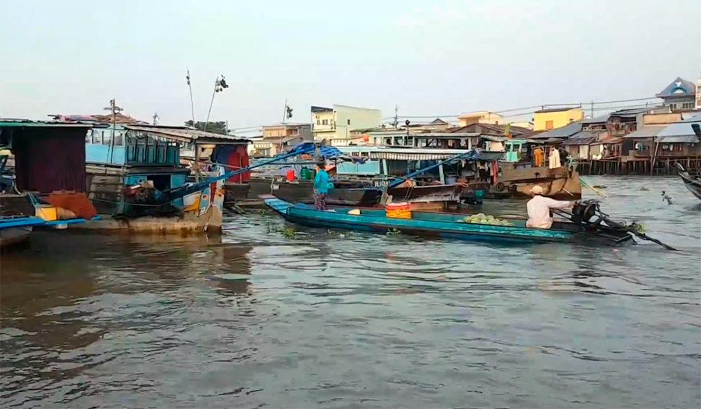 Меконг - плавучие рынки