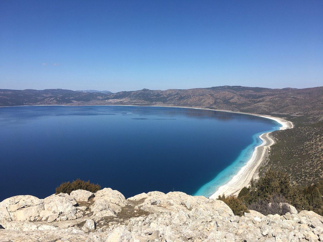 горное озеро Салда