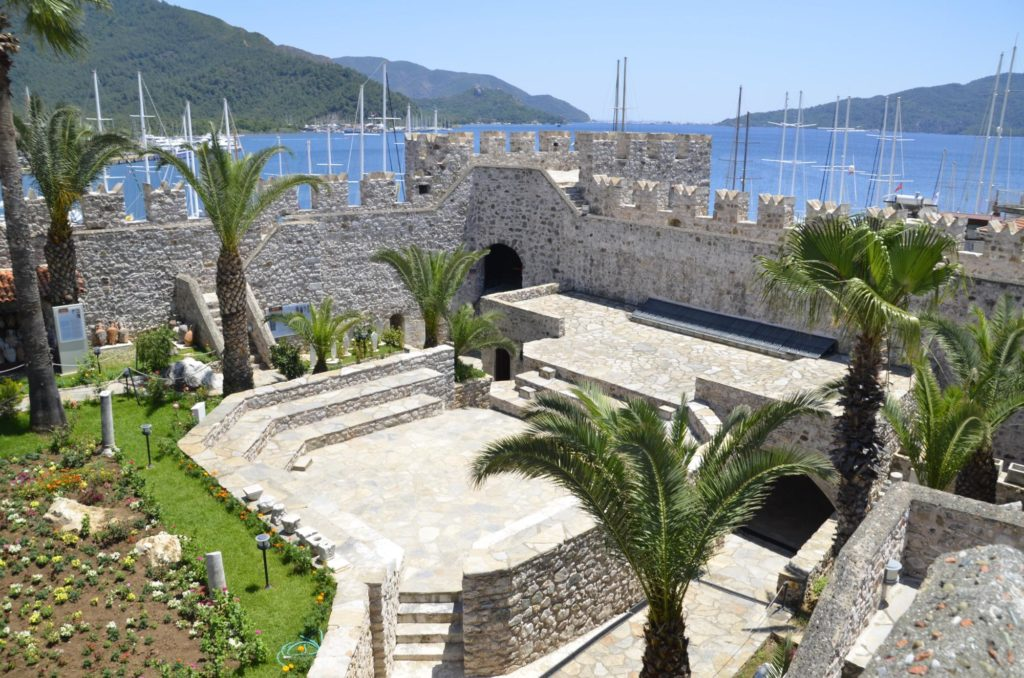 Замок и музей Мармариса