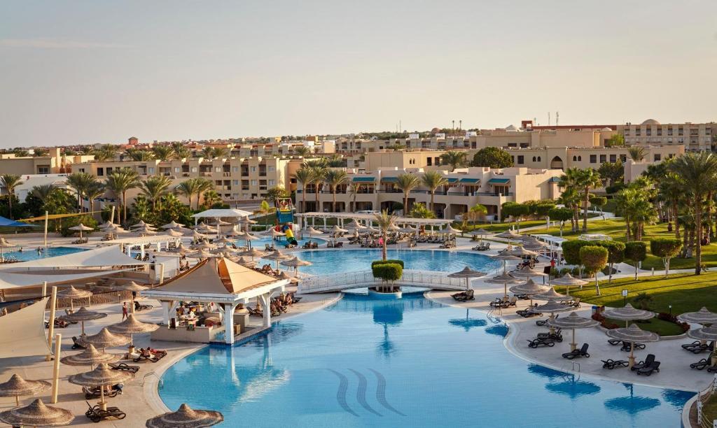 Coral Sea Holiday Resort & Aqua Park